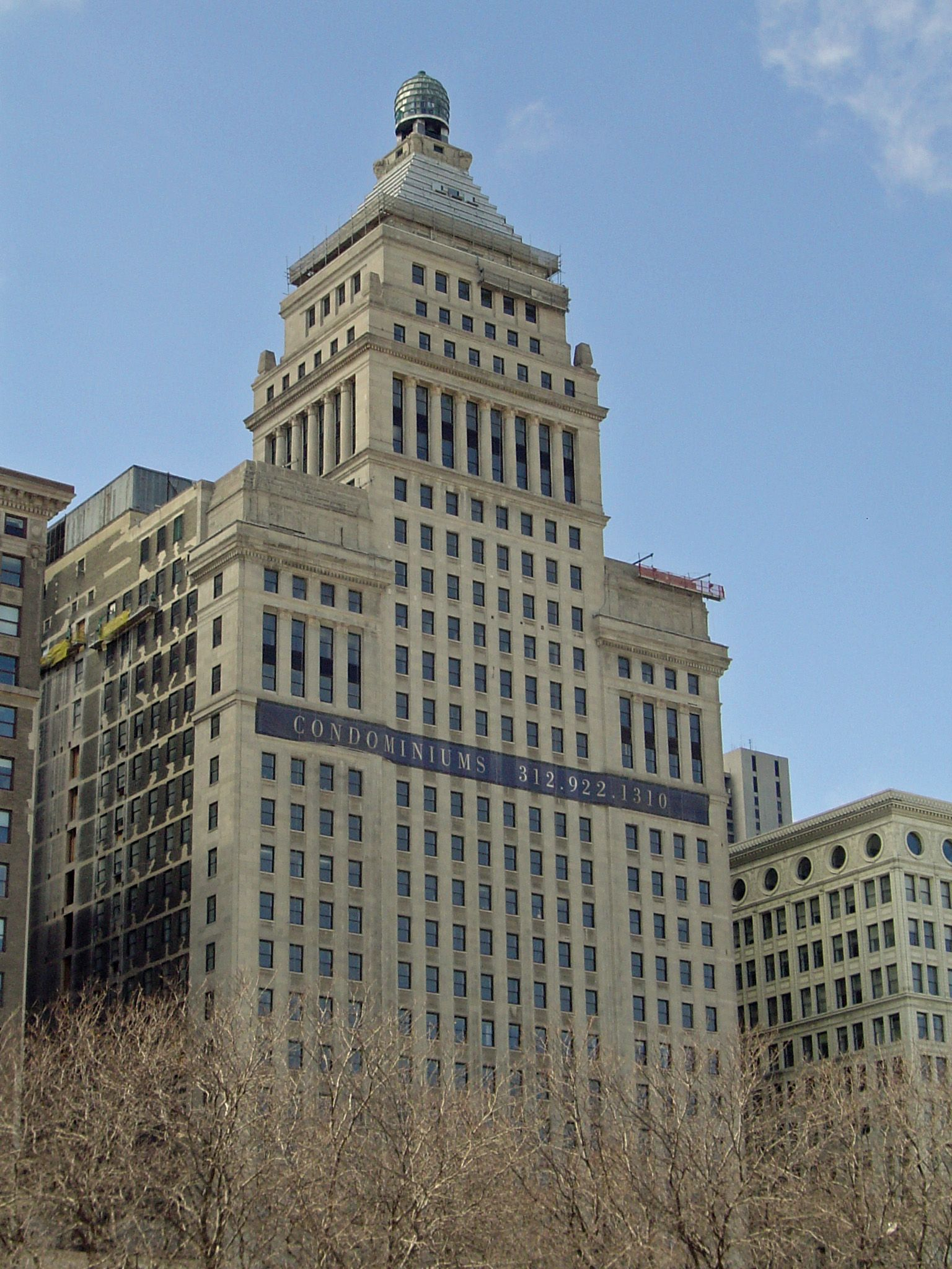 Building-on-Michigan-Ave-copy
