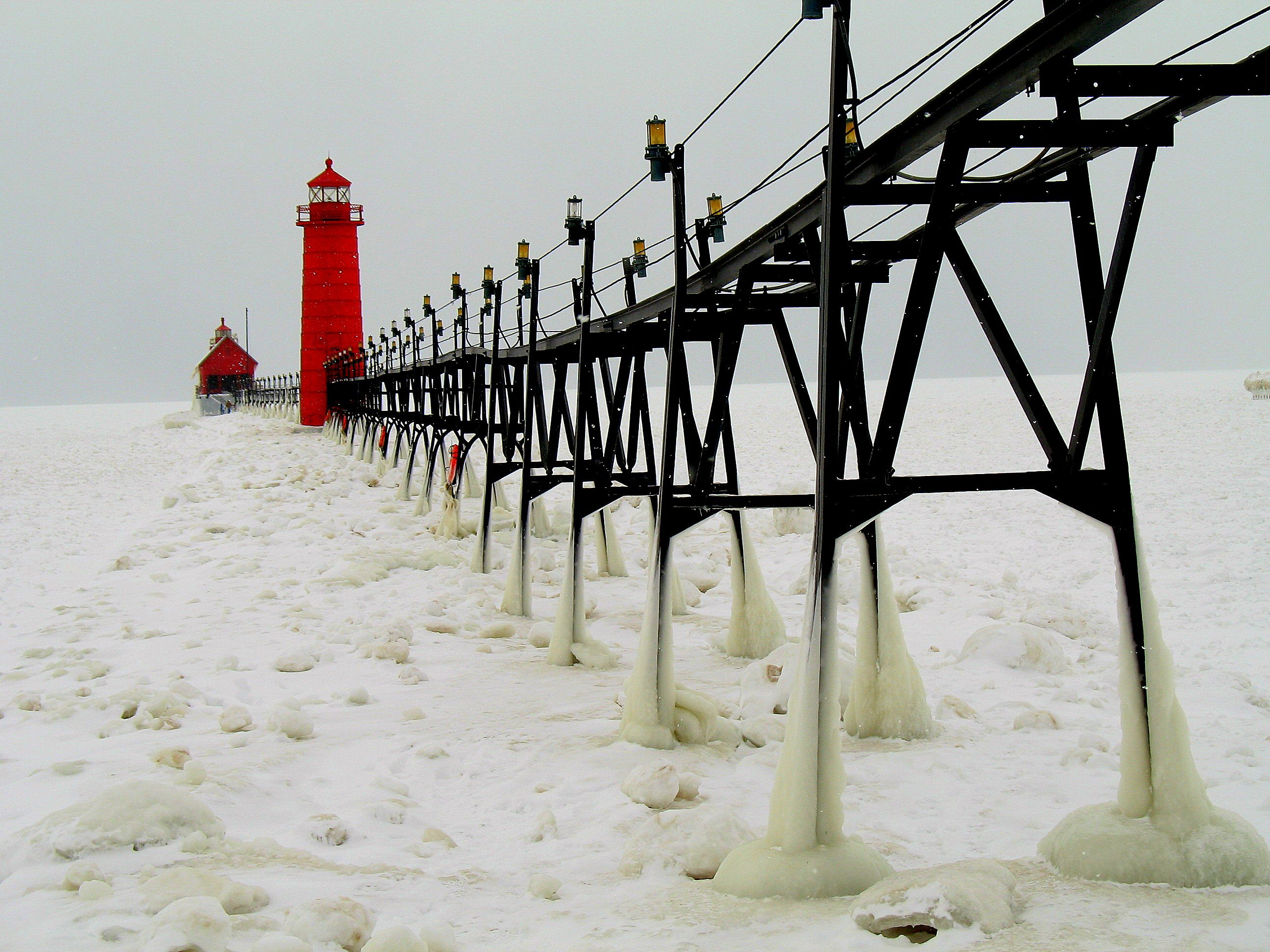 Grand-Haven-State-Park-in-Winter-27-1