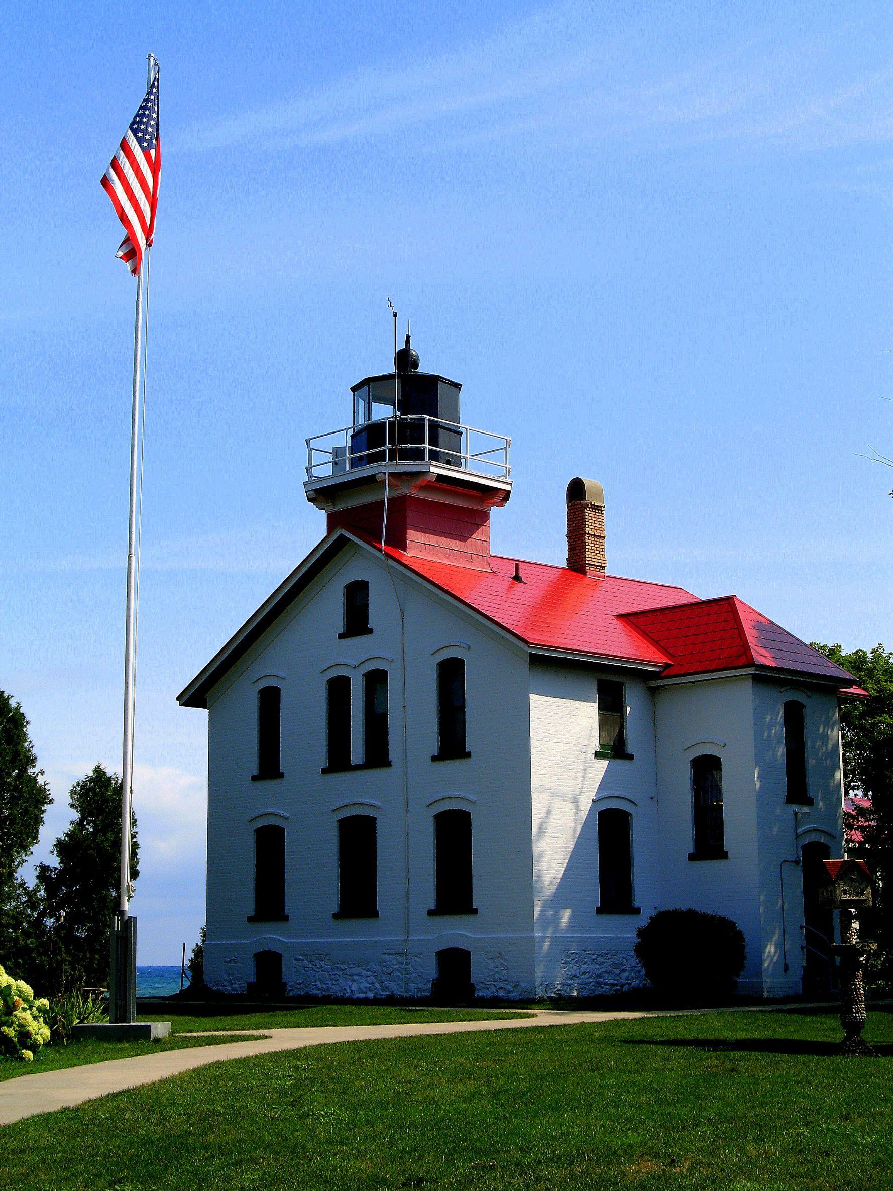 Grand-Traverse-Lighthouse-1