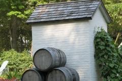 Barn-behind-LIghthouse-2