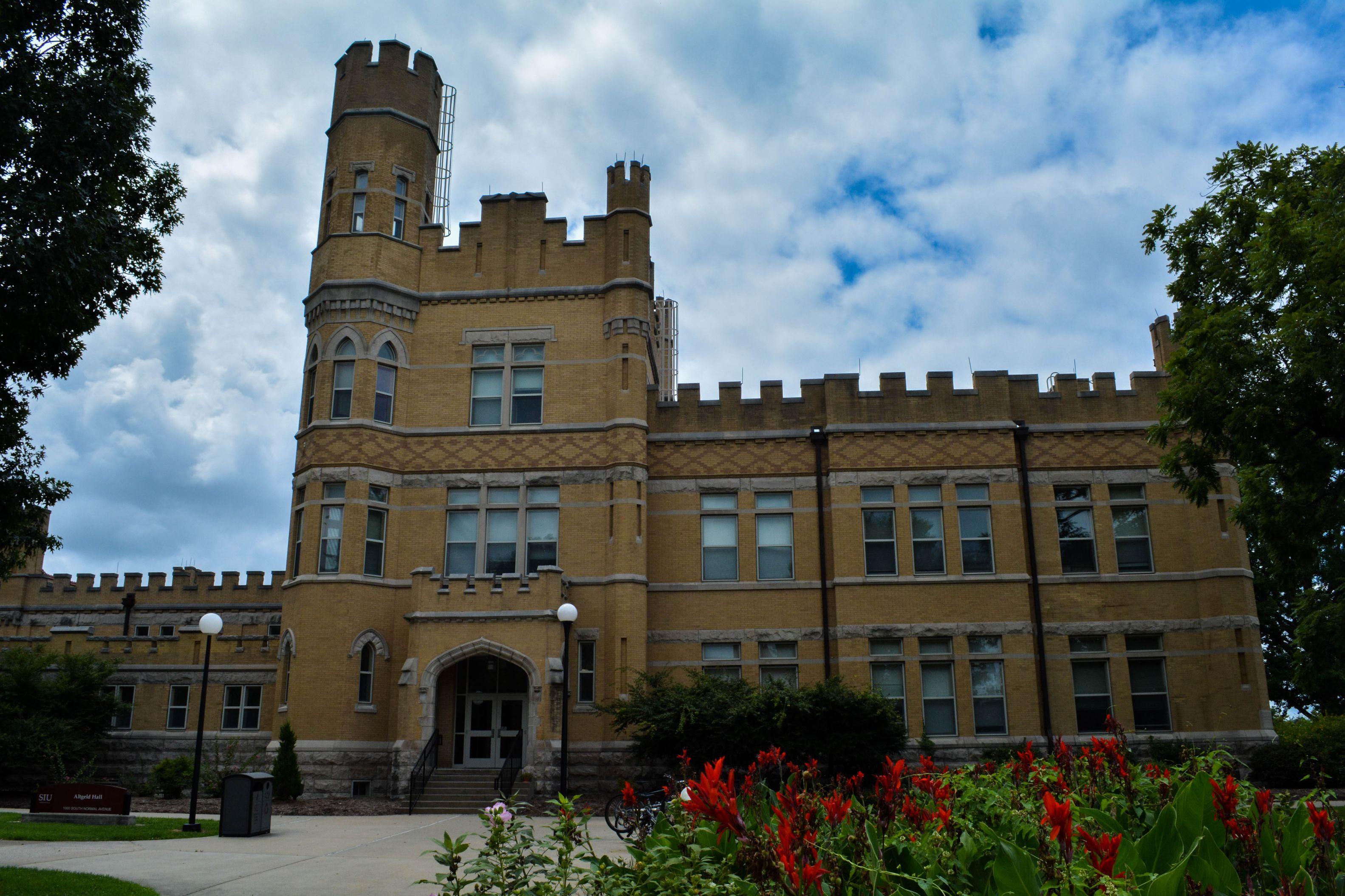 Altgeld-Hall-Southern-Illinois-3